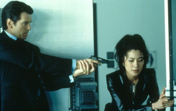 Michelle Yeoh,Pierce Brosnan
