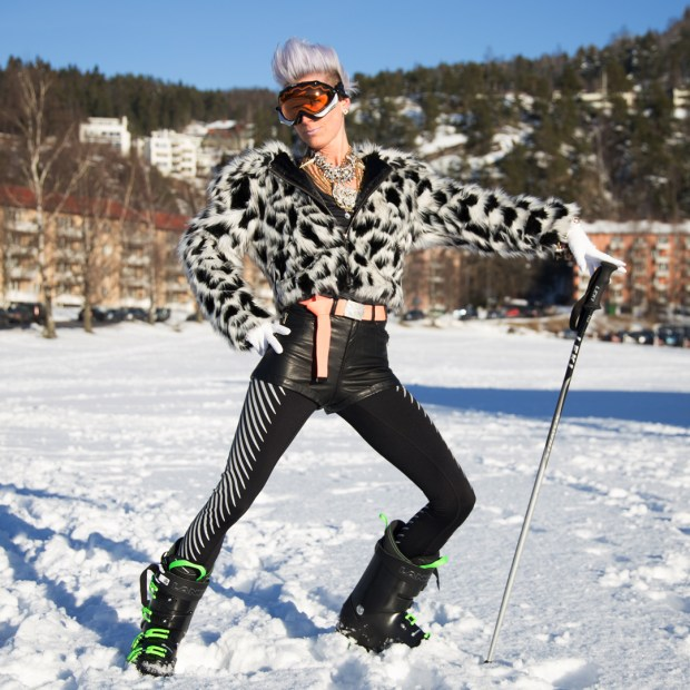 Alpine Glam. Faux fur and great jewellery is the new trend in the slopes.