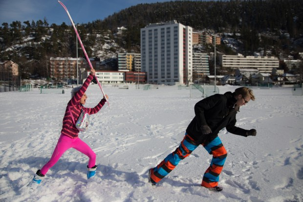 hitting-with-ski