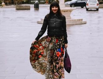 Come indossare una gonna lunga d'inverno