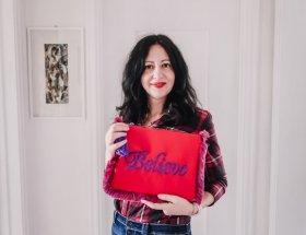 La mia recensione delle borse Mughy for you - The Fashion Cherry Diary - borsa rossa pochette personalizzata