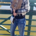 zara-jeans-forever-21-clutch-f21-sweater