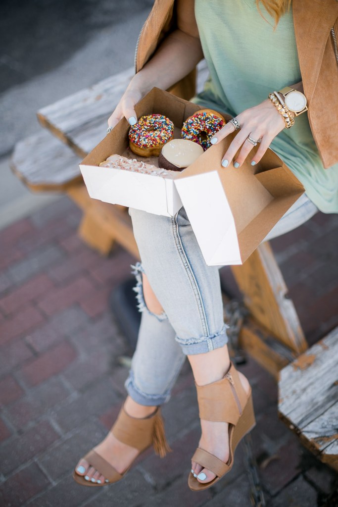 Hypnotic-Donuts-3543