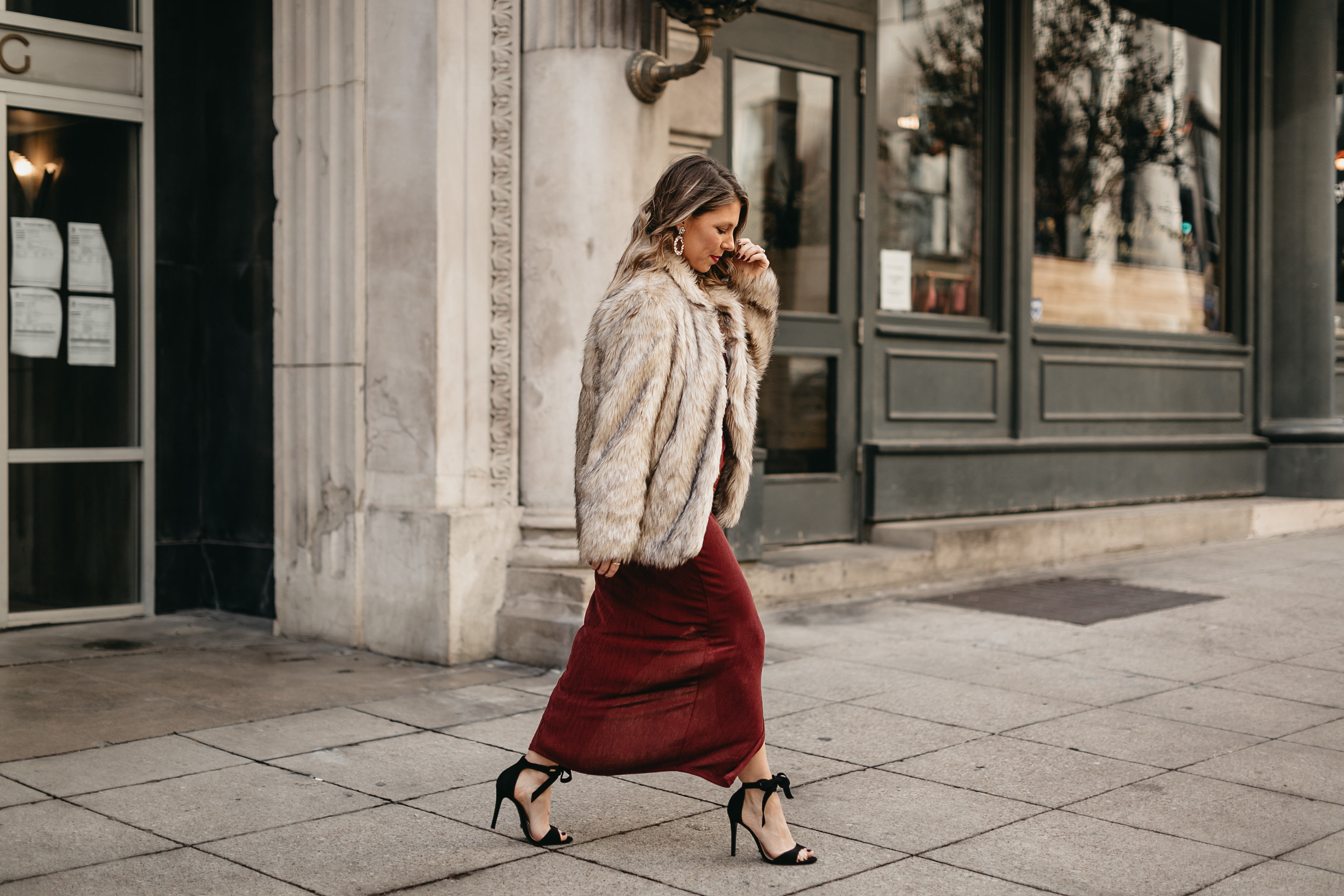 glam holiday outfit fashion blogger