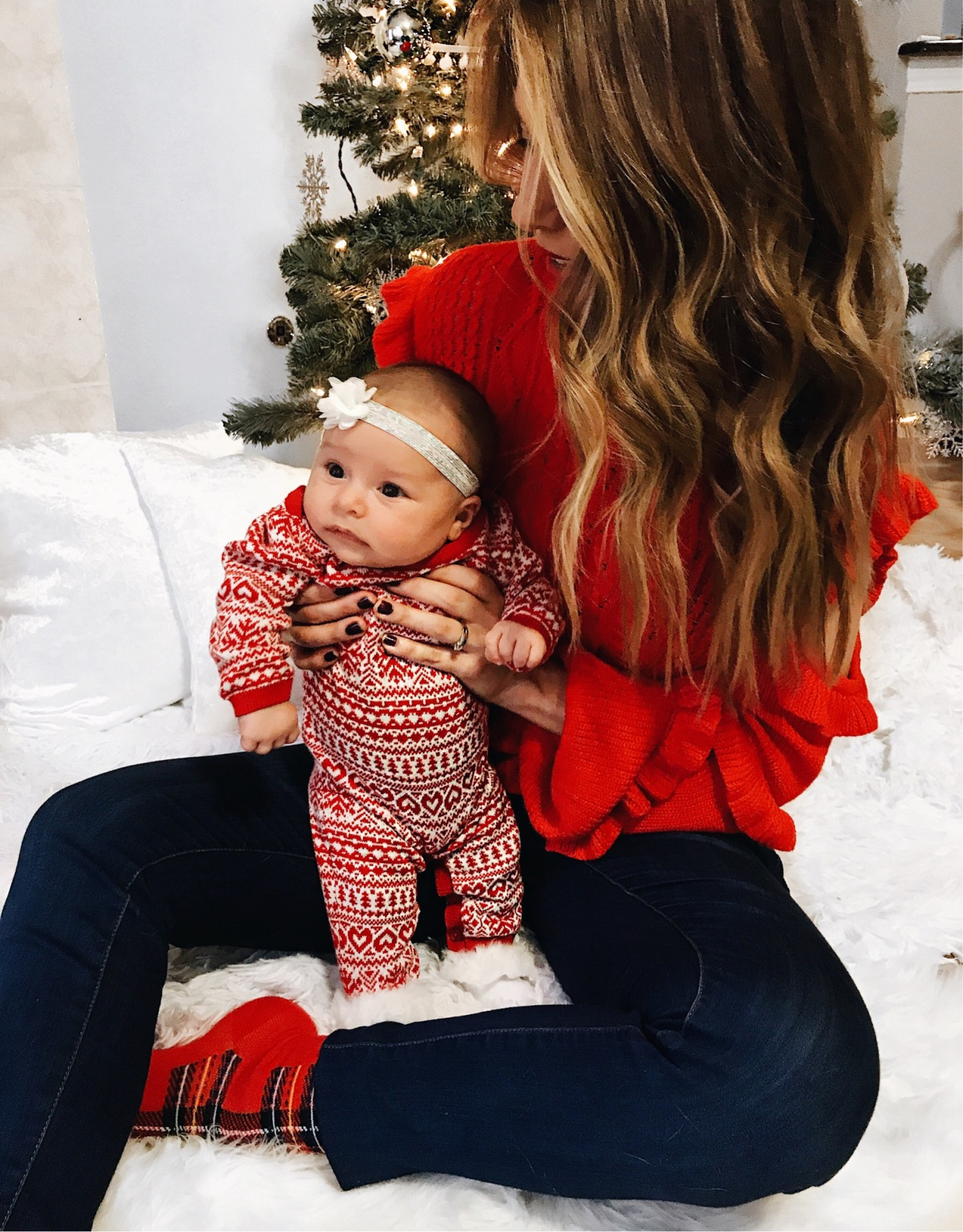 mommy and me Christmas photo - fashion blogger