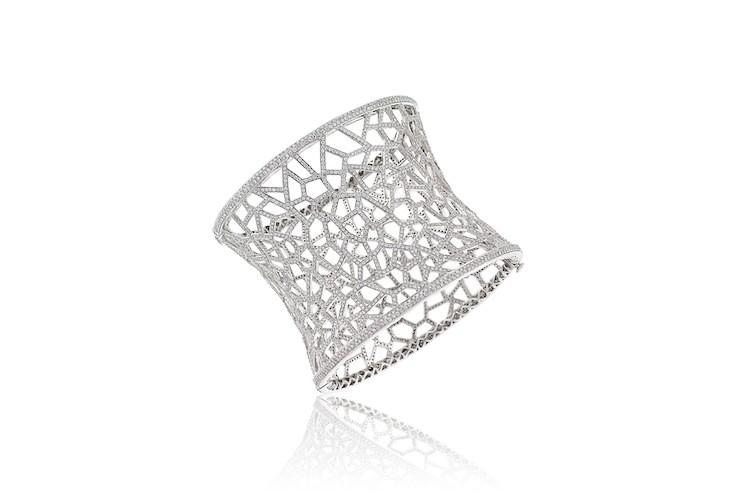 AVAKIAN Cuff Bracelet in Full Diamonds