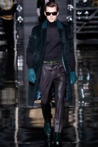 versace-men-fall-winter-2014-collection-photos-0022