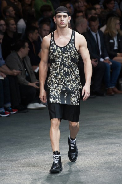 Givenchy-2015-Men-Spring-Summer-Paris-Fashion-Week-013