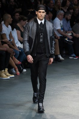 Givenchy-2015-Men-Spring-Summer-Paris-Fashion-Week-031