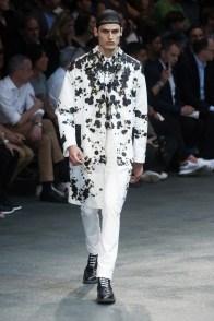 Givenchy-2015-Men-Spring-Summer-Paris-Fashion-Week-043