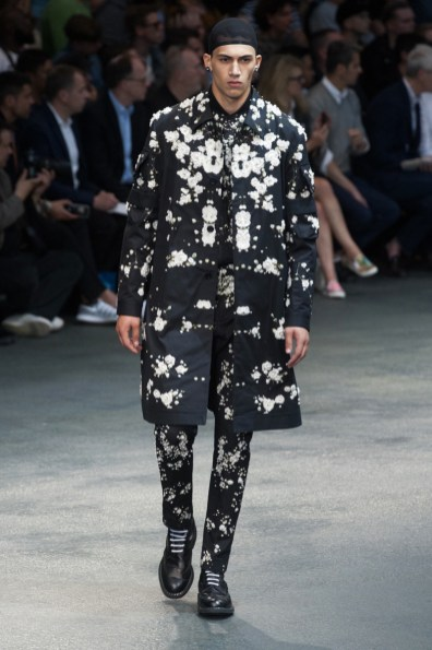 Givenchy-2015-Men-Spring-Summer-Paris-Fashion-Week-054