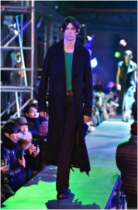 Raf-Simons-Fall-Winter-2015-Menswear-Collection-Paris-Fashion-Week-017