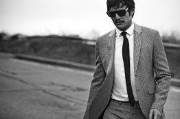 Pedro-Pascal-LUomo-Vogue-2015-Photo-Shoot-003