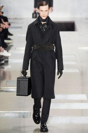 Louis-Vuitton-2016-Fall-Winter-Mens-Collection-001