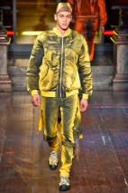 Moschino-2016-Fall-Winter-Mens-Collection-009