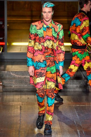 Moschino-2016-Fall-Winter-Mens-Collection-033