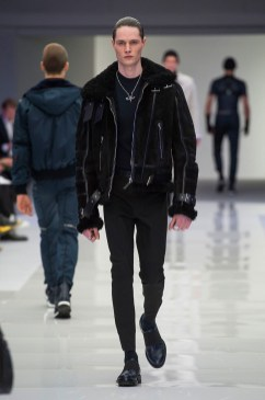 Versace-2016-Fall-Winter-Mens-Collection-031