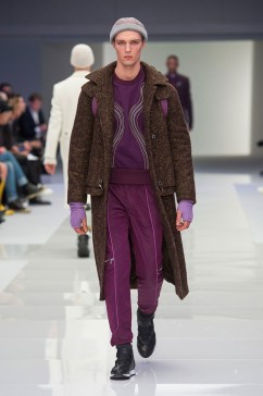 Versace-2016-Fall-Winter-Mens-Collection-039