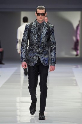 Versace-2016-Fall-Winter-Mens-Collection-055