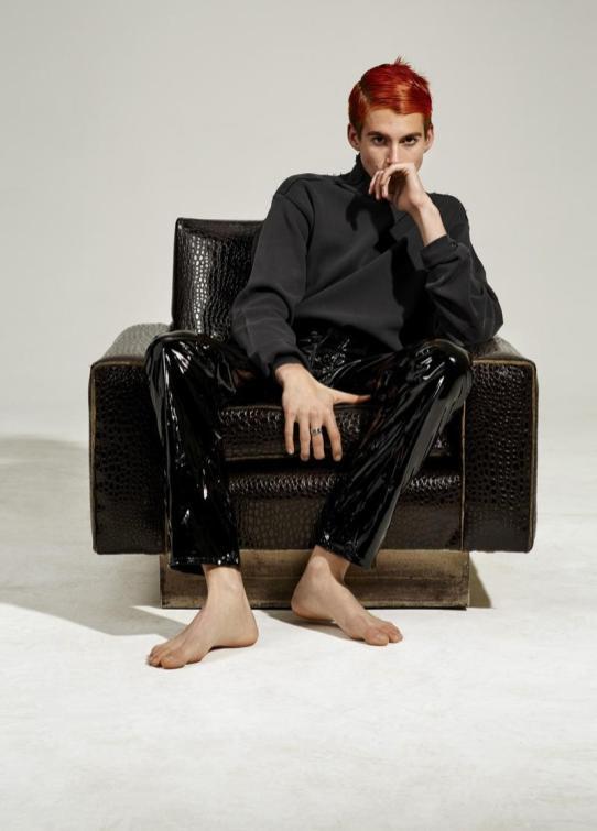 Vogue-Hommes-Paris-2016-Editorial-Masculine-Singular-007