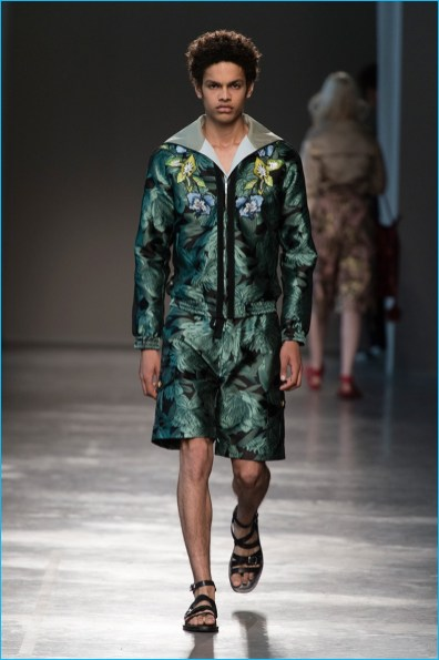 Christian-Pellizzari-2017-Spring-Summer-Mens-Runway-Collection-016