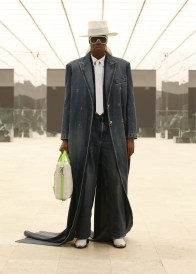 Louis-Vuitton-Fall-Winter-2021-Mens-Collection-048