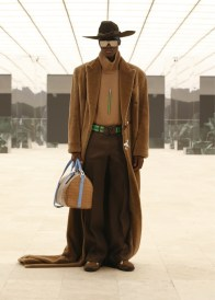 Louis-Vuitton-Fall-Winter-2021-Mens-Collection-051