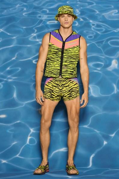 Moschino-Resort-2022-Mens-Collection-Lookbook-014