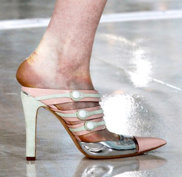 Models Feet Bruised After Fashion Week
