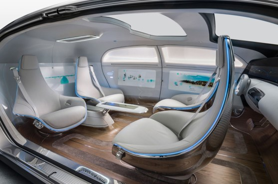 mercedes-benz-f-015-luxury-in-motion-concept-cabin-3