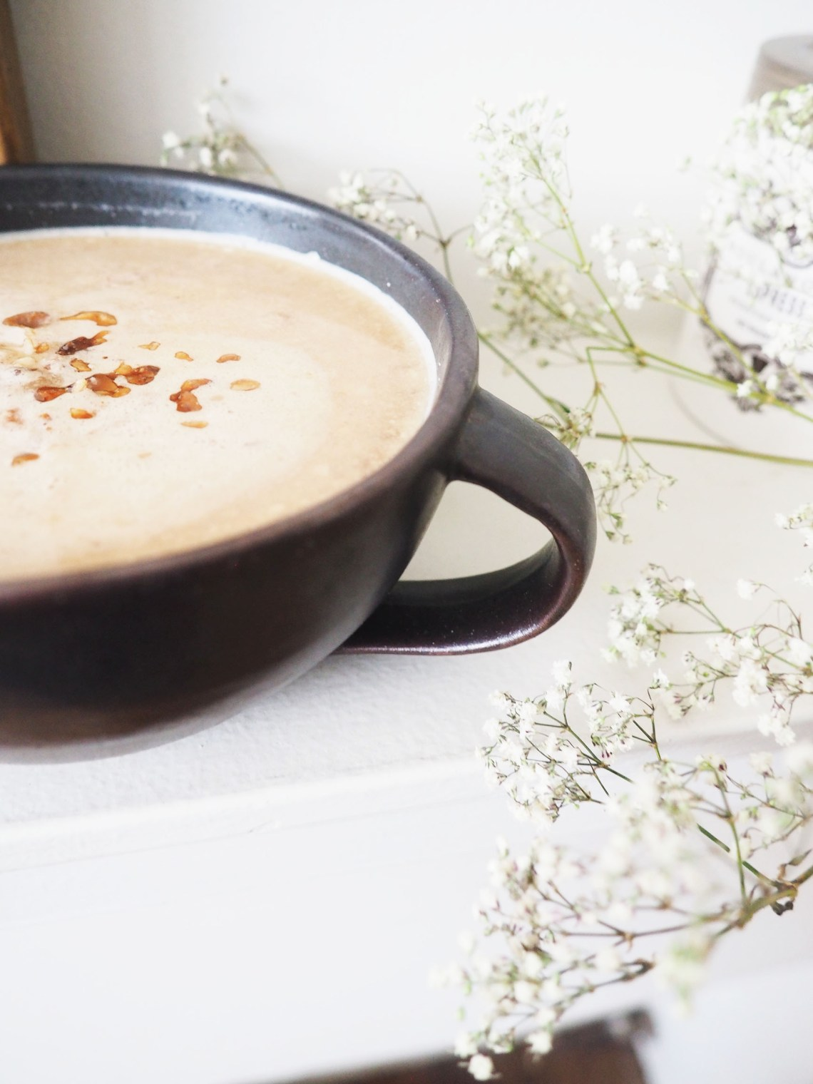 You'll Go Nuts For This Warm & Toasted Macadamia Nut Latte