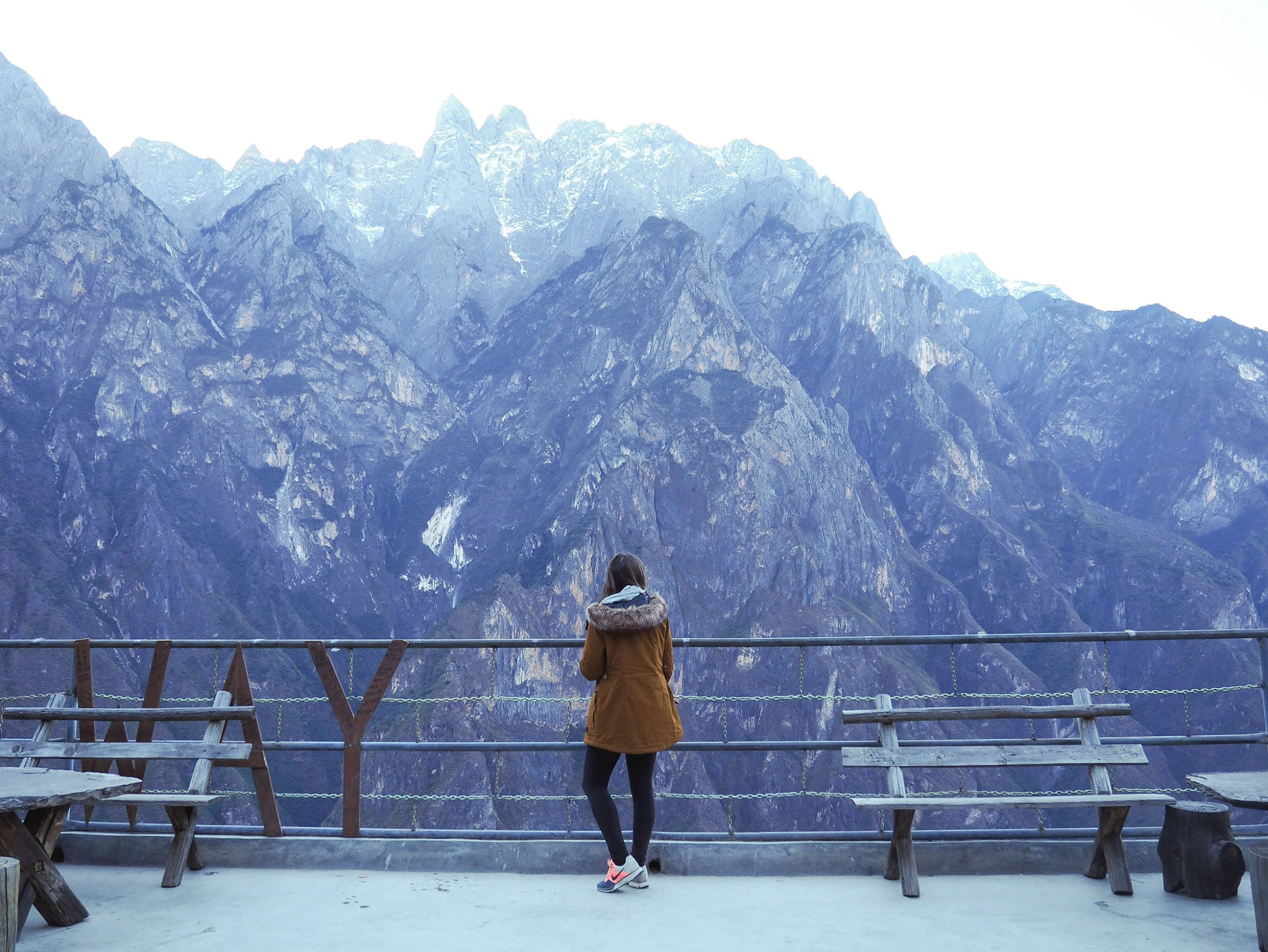 hiking the tiger leaping gorge