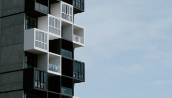 apartment in docklands strata unfair