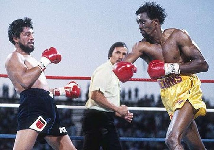https://i2.wp.com/www.thefightcity.com/wp-content/uploads/2015/04/450px-Hearns-duran-fff.jpg?resize=723%2C509