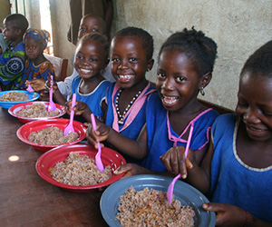 Sierra-Leone-Children-eating-US-Food
