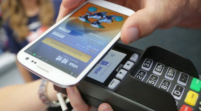 Is a cashless society causing financial illiteracy?
