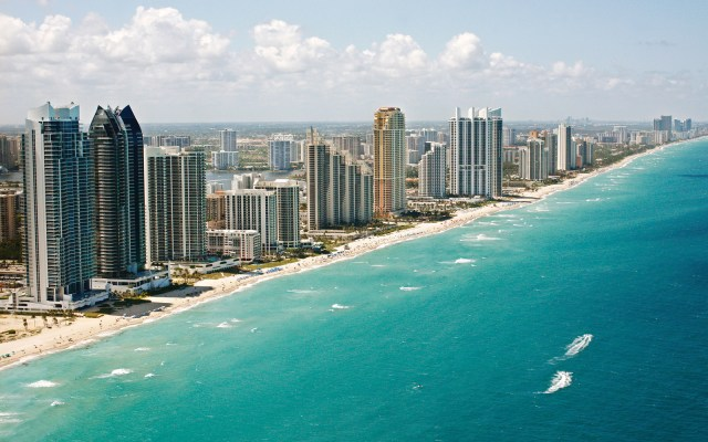 Amazing Benefits of Moving to Miami - Miami beach image