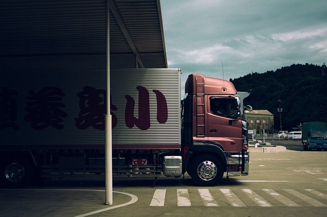 Legal Issues That Courier Businesses Are Likely To Face - truck image
