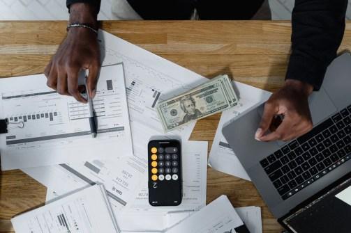 Managing money with the snoop app