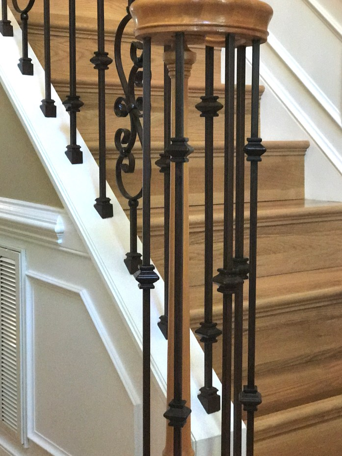 knuckles with scrolls iron baluster