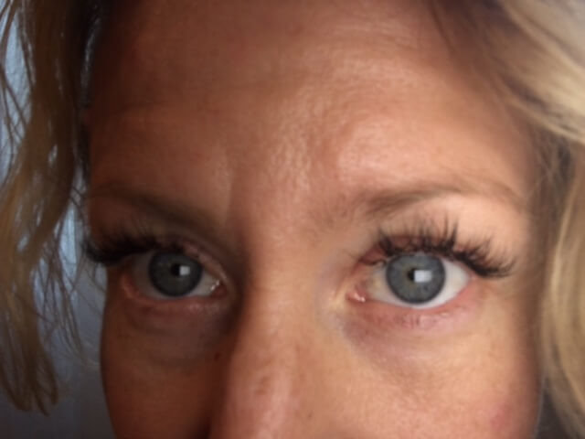 Pros And Cons Of Eyelash Extensions The Five Fish