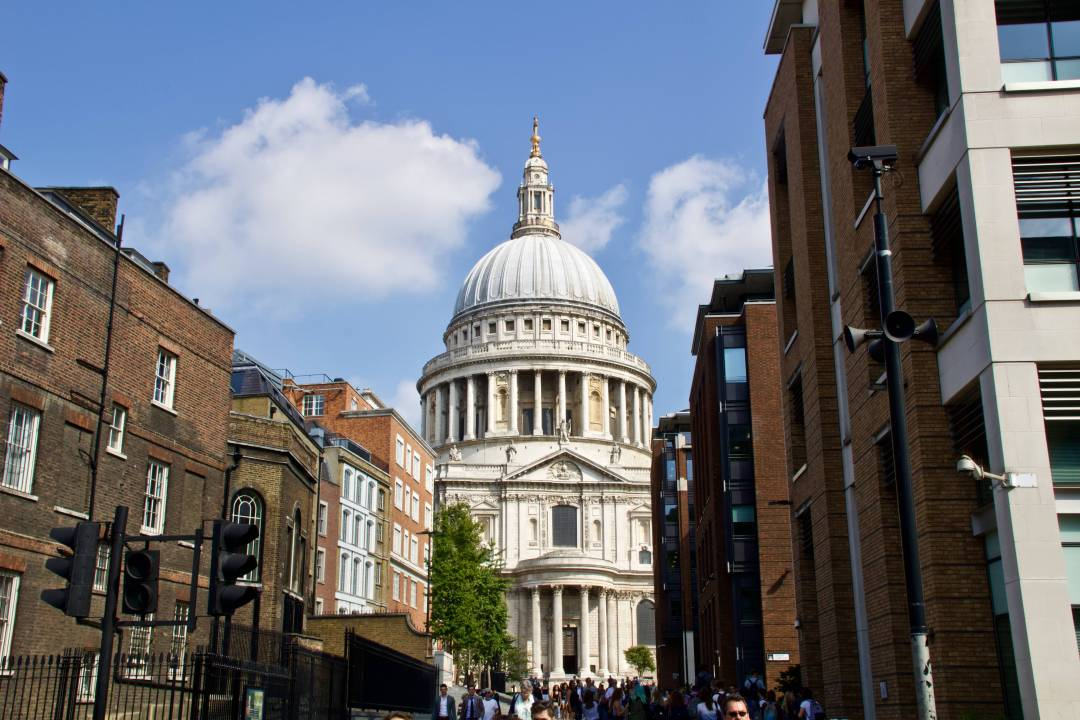 Due to the sheer amount and variety of things to do and see, some people might find London a bit overwhelming. So, to help you out, this post will be exploring some of the best ways to get around in London, giving you a head start when it comes to planning your next trip. Read more at www.thefivefoottraveler.com
