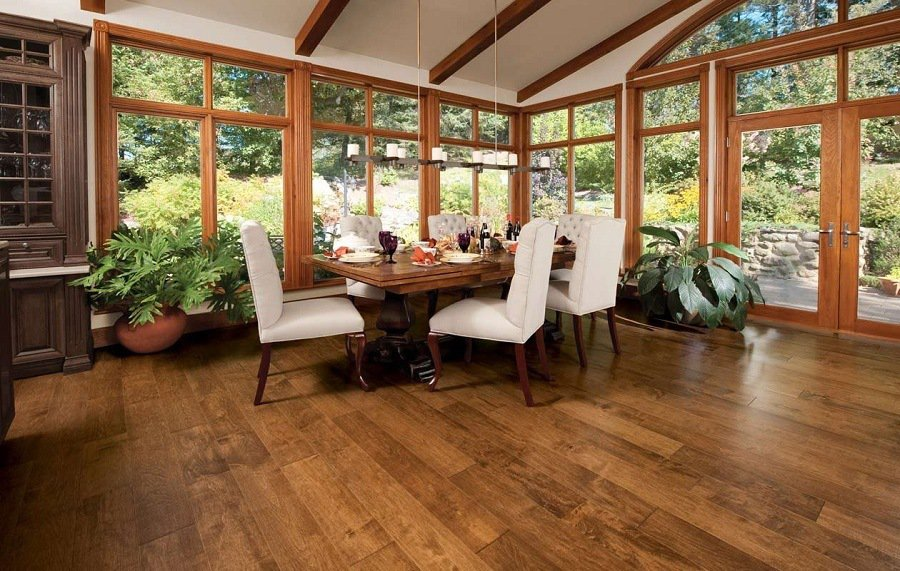 Beautiful Hardwood Dinner Room