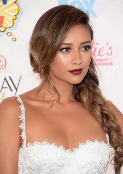 Shay Mitchell Teen Choice Awards 2014 Beauty Hair Face