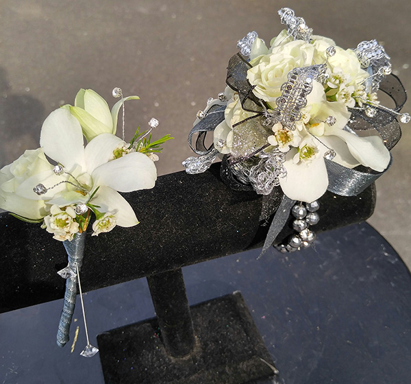 Prom the flower diva prom corsage and boutonniere the flower diva nc mightylinksfo