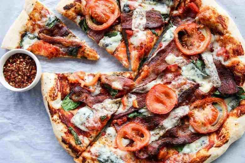 Bacon, Spinach & Tomato Pizza