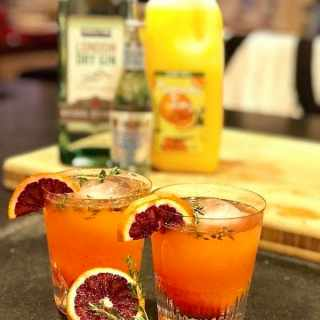 Blood Orange, Tangerine, Thyme Gin & Tonic | www.thefreshcooky.com #ginandtonic #bloodorange #thyme #cocktails