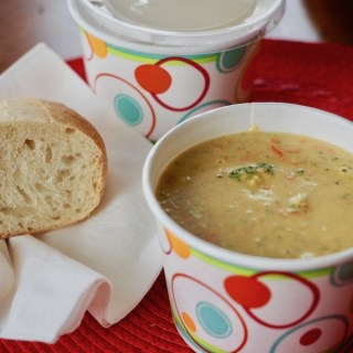 Broccoli Cheddar Soup | www.thefreshcooky.com #broccoli #soup #creamsoup #broccolicheddarsoup #paneracopycat