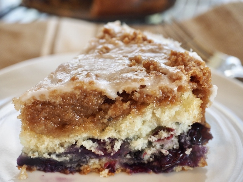 Blueberry Crumble Cake | www.thefreshcooky.com #blueberries #blueberrycoffeecake #coffeecake