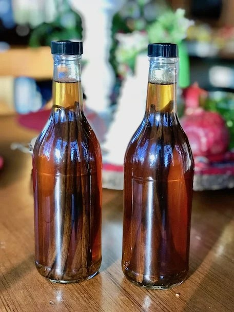 Homemade Vanilla Extract | www.thefreshcooky.com